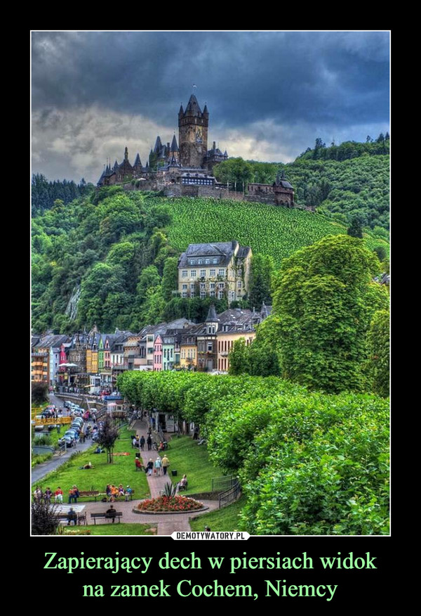 Zapierający dech w piersiach widokna zamek Cochem, Niemcy –